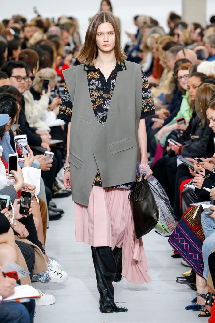 Модные женские жилеты весна-лето 2018 - Серый жилет оверсайз