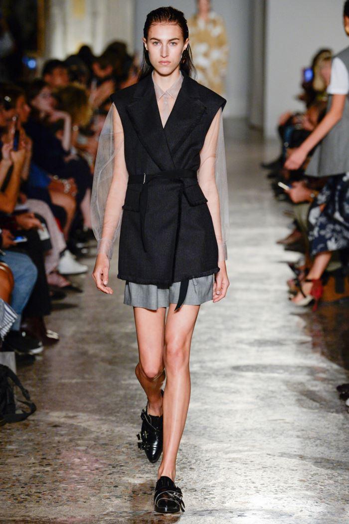 Модные женские жилеты весна-лето 2018 -