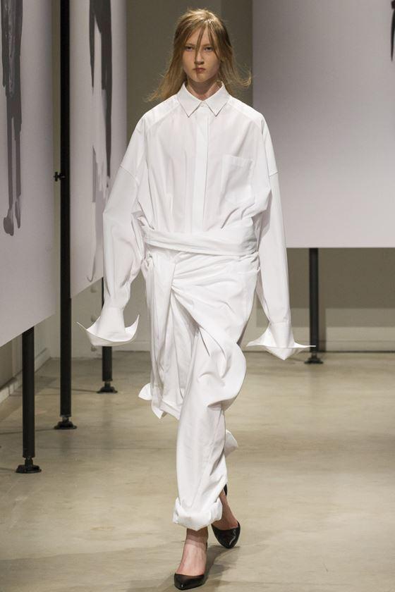 Модные белые блузки весна-лето 2018 - Длинная рубашка оверсайз с длинными рукавами