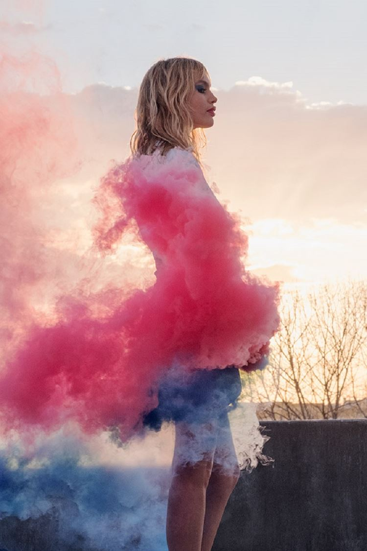 Pop Illusion – коллекция макияжа YSL Beauté весна-2018 - рекламная кампания со Стаз Линдес