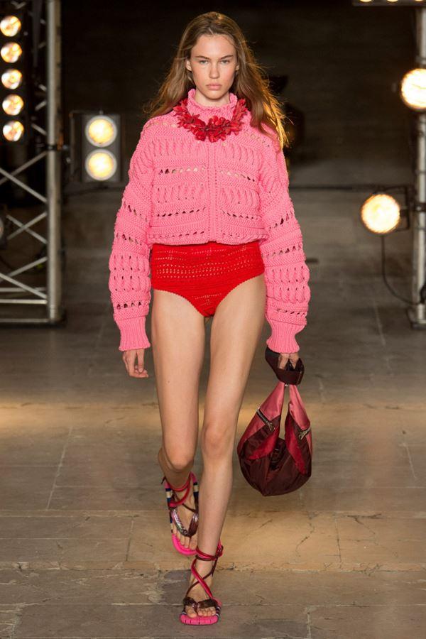 Женские кофты и кардиганы весна-лето 2018 - Розовый свитер-кофта из ажурного трикотажа