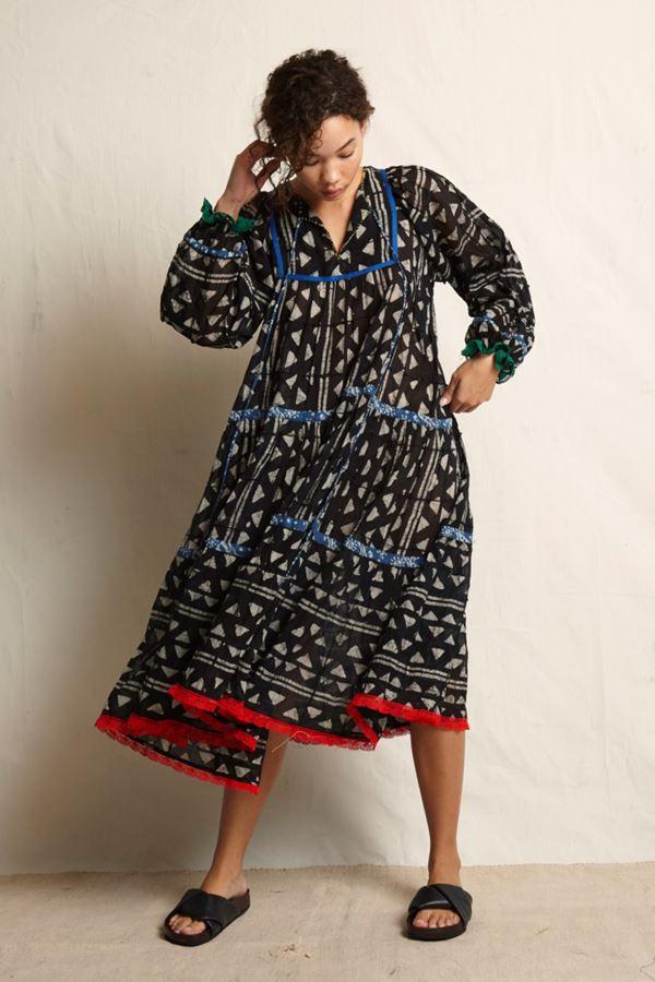 Женские туники весна-лето 2018 - Чёрное платье-туника с длинными рукавами Warm