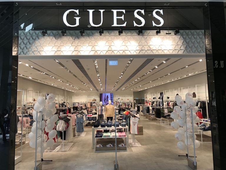В ТРЦ «Мега Казань» открылся новый магазин Guess
