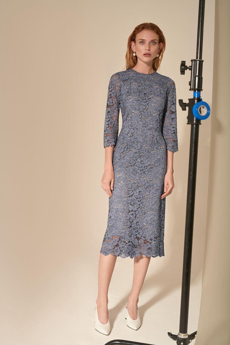 Лукбук коллекции Pocket Symphony Pre-Fall 2018 - серое кружевное платье