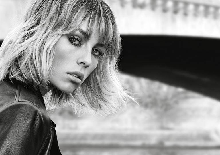 Mascara Volume Effet Faux Cils The Curler – британская модель Эди Кэмпбелл
