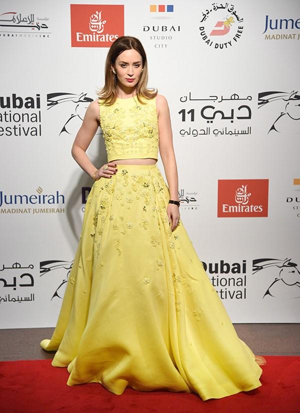 Жёлтые вечерние платья - Эмили Блант