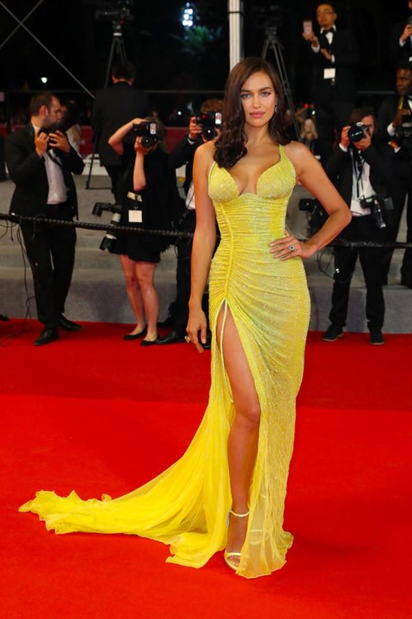 Жёлтые вечерние платья - Ирина Шейк