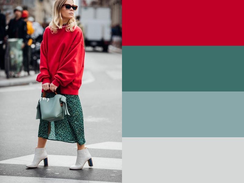 Зелёная юбка с красным свитером