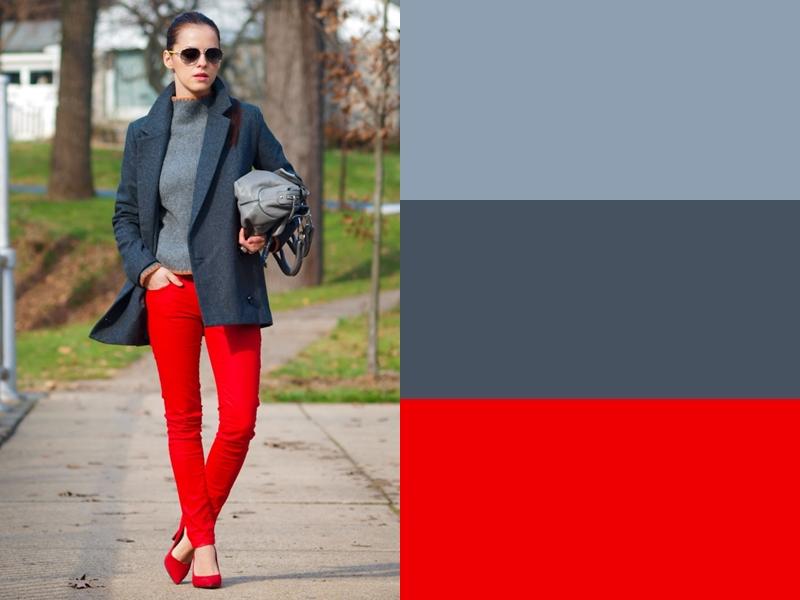 Серый свитер и пальто с красными брюками