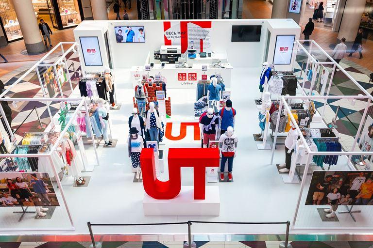 UNIQLO открыл  POP-UP магазин с коллекцией футболок UT  в ТРК «Атриум»