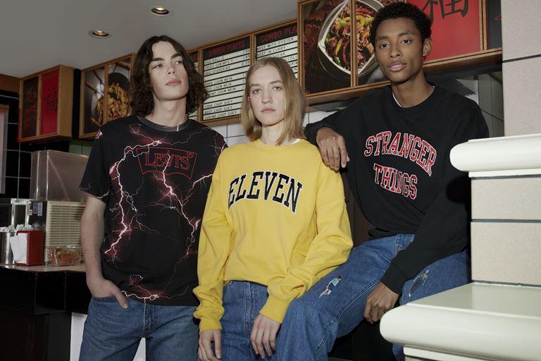 Футболки, толстовки, свитшоты, джинсы в коллекции Levi's x Stranger Things осень-зима 2019-2020 - фото 1