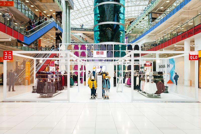 Три поп-ап магазина UNIQLO открылись в Москве - Поп-ап магазин UNIQLO в ТРК Авиапарк