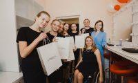 L'Oréal открыл обучающий кабинет по макияжу в калужской школе-интернате