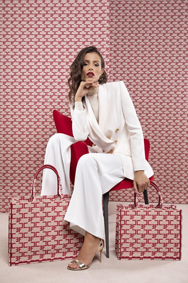 Новинка Elisabetta Franchi: сумка-шоппер Monogram - фото 3