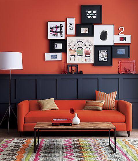5 идей для оранжевого дивана в интерьере - Оранжево-чёрный интерьер