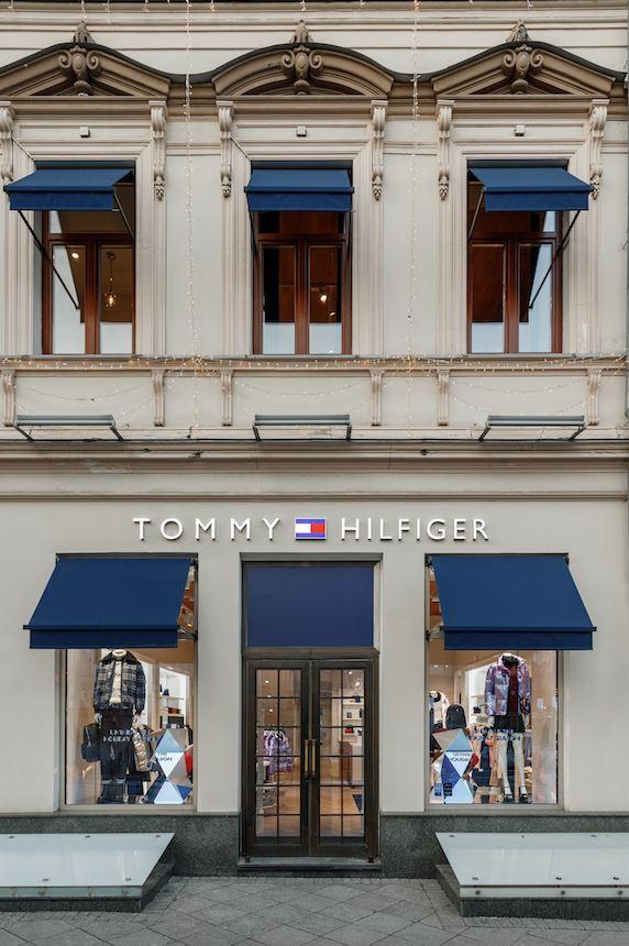 Tommy Hilfiger открыл обновленный магазин на Кузнецком мосту