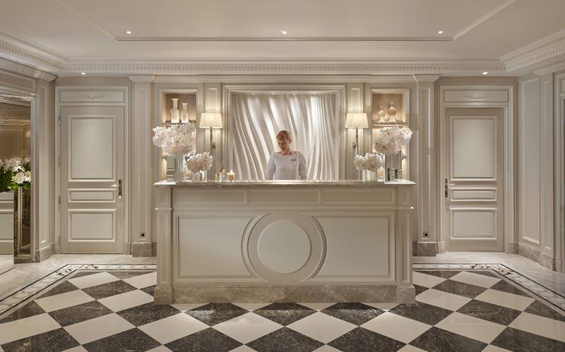 Простые домашние маски и скраб для кожи от экспертов по уходу за лицом отеля Four Seasons Hotel George V, Paris